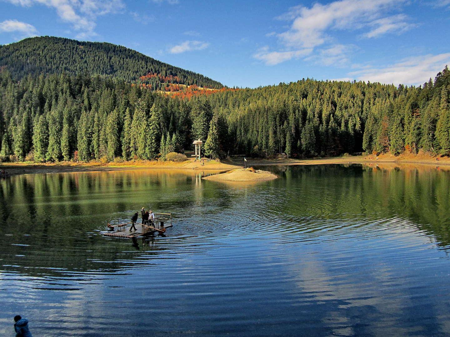 7 самых чистых озер Украины, в которых стоит искупаться картинки